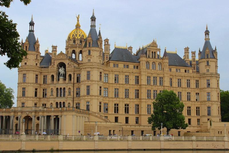 Das Schweriner Schloss ist das Wahrzeichen der Landeshauptstadt