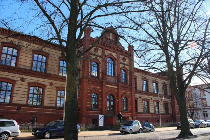 Campusluft schnuppern am Tag der offenen Tür der Fachhochschule des Mittelstands (FHM) in Schwerin
