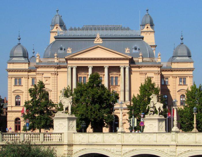Mecklenburgisches Staatstheater sucht Patenklasse