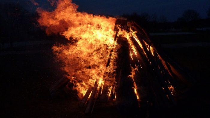 SPD: Osterfeuerregelung soll schnellstens verändert werden