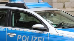 51-Jähriger belästigt mit über drei Promille Reisende