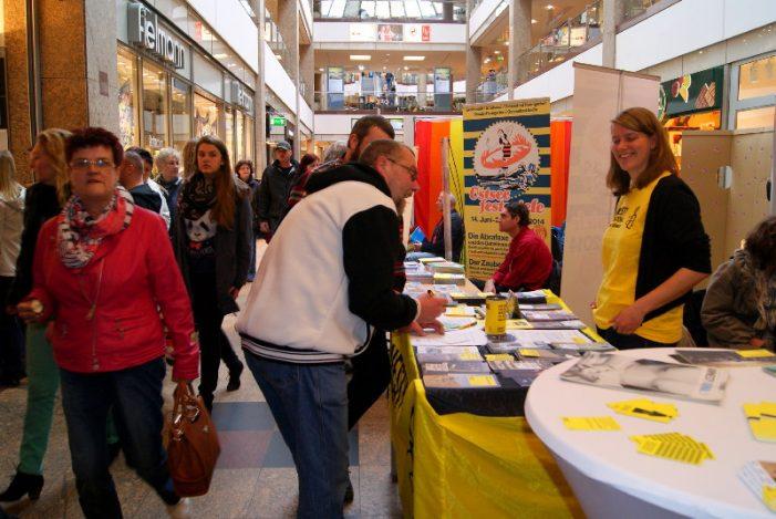 WIR lädt zum Aktionstag für Demokratie ins Schlosspark-Center