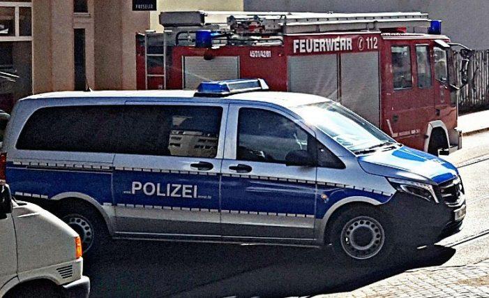 Dachhälfte legt Verkehr in Goethestraße lahm