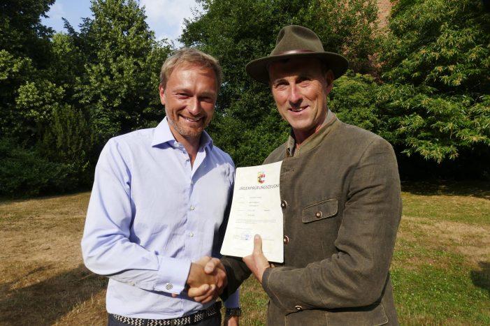 FDP-Chef Lindner macht Jagdschein in Nähe Schwerin