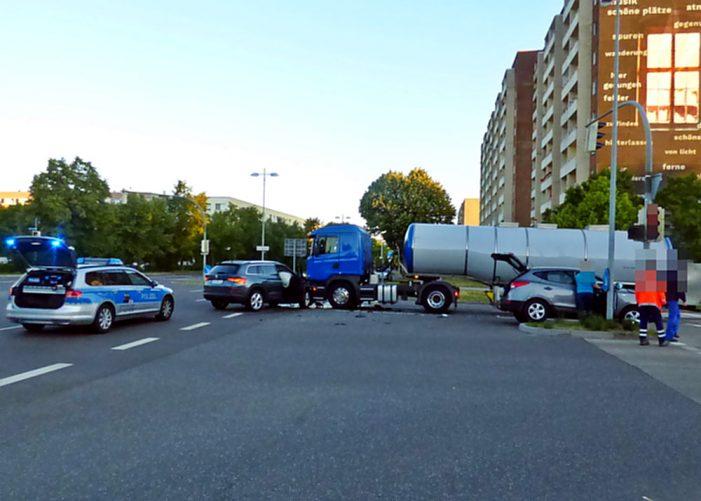 Hamburger Allee / Plater Straße: Zwei Verletzte nach Unfall