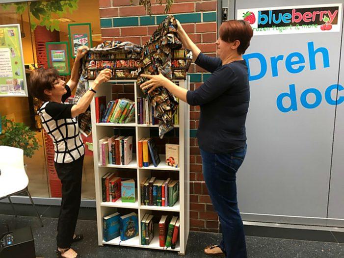 Kinder- und Jugendbuchregal in Schweriner Höfen eröffnet