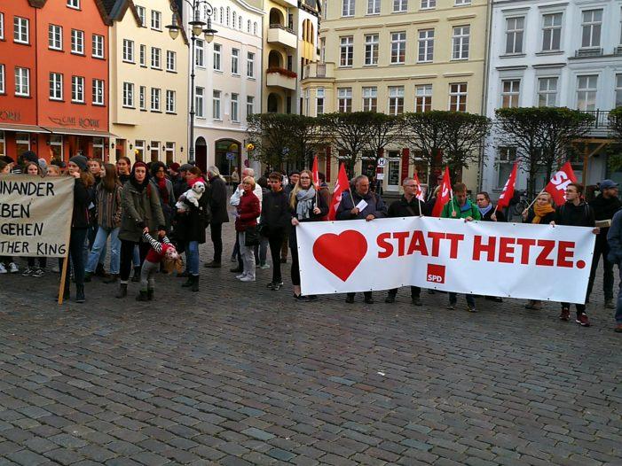 """Heute wieder Kundgebung """"Herz statt Hetze"""""""