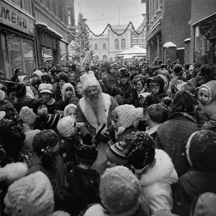 Fotoausstellung mit historischen Weihnachtsmarktszenen von Ernst Höhne