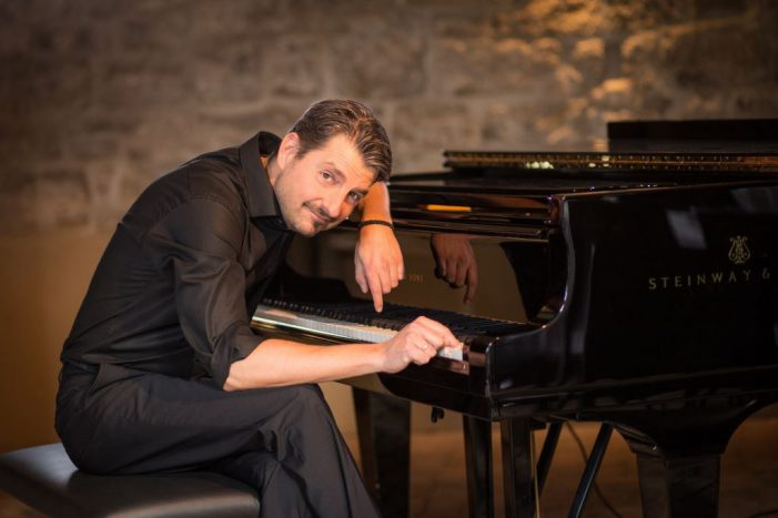 TAGESTIPP: Showpianist Felix Reuter gastiert im Staatstheater
