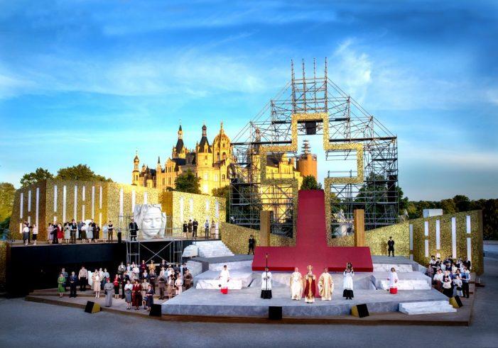 """SCHLOSSFESTSPIELE SCHWERIN 2019 – """"Open Air mit Schlossblick"""""""