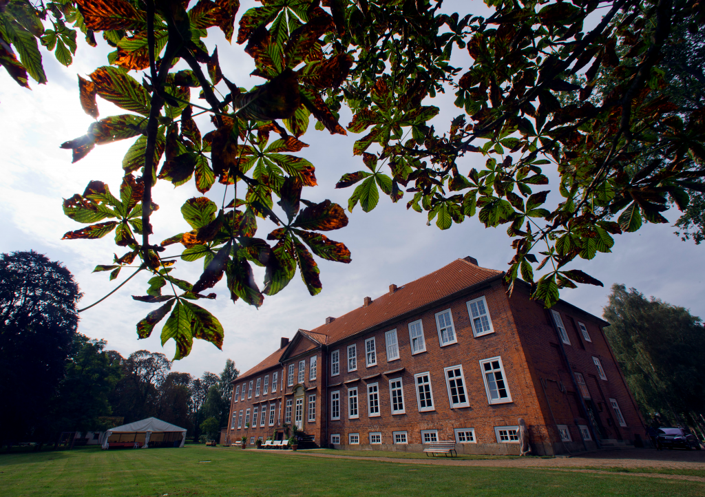 Schloss Dreilützow trifft Oldtimer @ Schloss Dreilützow | Wittendörp | Mecklenburg-Vorpommern | Deutschland
